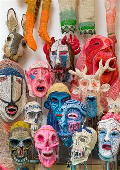 Johanna Schweizer's bizarre, even demonic figures are inspired by the world of mythology and recall long-forgotten cultic rituals. Her themes are sexuality, power, dominance, life and death. Arte Popular, Soft Sculpture, Sculptures, James Ensor, Puppet Costume, Yarn Bombing, Masks Art, Crochet Art, High Art
