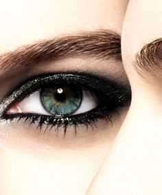 Chanel's new eyeshadows are EVERYTHING