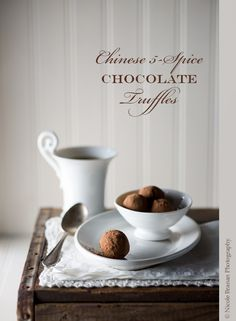 A very easy recipe for delicious Chinese 5-spice chocolate truffles with crystallized ginger bits.