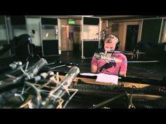 Bon Iver | Beth/Rest | Live at AIR Studios (4AD/Jagjaguwar Session) - YouTube