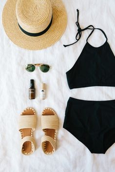 A packing guide for your next vacation - swimsuits, sandals, dresses, and more!