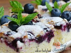 "Quick cup cake ""with highlights"" Top-Rezepte.de The post Fluffy blueberry pie Top-Rezepte.de appeared first on Dessert Platinum. Baking Recipes, Cake Recipes, Dessert Oreo, Pie Tops, Apple Smoothies, Pudding Desserts, Blueberry Cake, Cake Toppings, Savoury Cake"