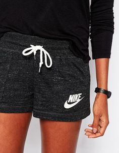 Yoga Clothes : Nike Vintage Shorts With Swoosh Logo Nike Vintage, Vintage Shorts, Nike Outfits, Sport Outfits, Casual Outfits, Nike Shorts Outfit, Comfy Shorts, Hoodie Outfit, Milan Fashion Weeks