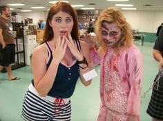 #MelHeflin and #thewalkingdead zombie at the Deland Convention #scifi #Comics #toys
