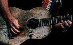 old guitars and gypsies. . . they just go together. . long live willie!
