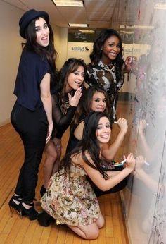 Fifth Harmony - I swear Camila looks almost just like Carly Rose Sonenclar