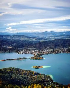 Maria Wörth, Island Man, Green Mountain, Sunrise, To Go, Vacation, Mountains, Beach, Places