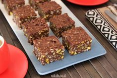 Chocolate fudge - This is such an experience for chocolate lovers. Chocolate Fudge, Chocolate Lovers, Cravings, Cake Recipes, Recipies, Treats, Cookies, Baking, Desserts