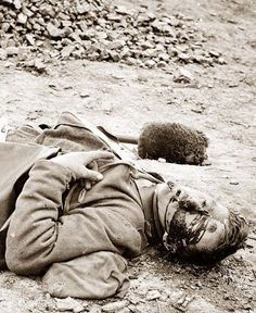 Here we present a rare image of Petersburg, Virginia. Dead Fed. Soldier. It was taken in 1865 by Roche, Thomas C., d. 1895.