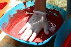 How to Remove Dried Latex Paint From Plastic Buckets