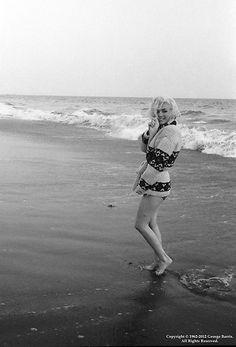 Iconic+Photos+of+Marilyn+Monroe+by+George+Barris+(3).jpg (367×540)
