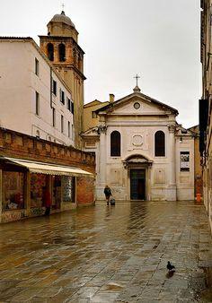 Rainy day in Venice : Campo Santo -  1/2