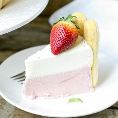 Strawberry White Chocolate Charlotte Cake Recipe