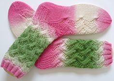 Ravelry: dutchcolorqueens Spring forward socks #knit #free_pattern