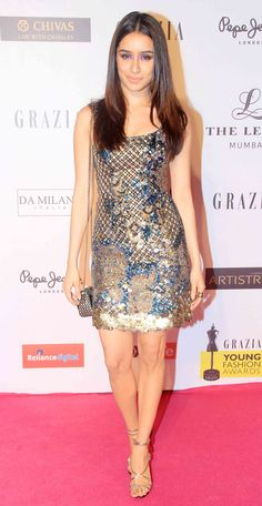 Shraddha Kapoor at Grazia Young Fashion Awards 2015 im Sabyasachi dress.