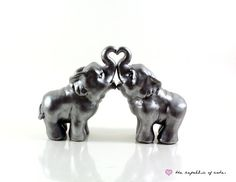 I'm not sure how I could incorporate this into my dream rustic themed wedding, though. Elephant Cake Toppers, Elephant Cakes, Wedding Stuff, Dream Wedding, Wedding Day, Cowboy Weddings, Indian Wedding Fashion, Cake Sizes, Elephant Love