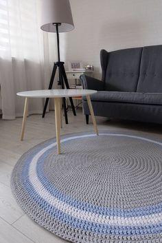 Round crocheted carpet - okrągły dywan ze sznurka bawełnianego wykonany na szydełku