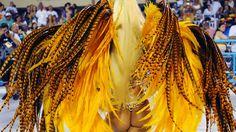 30 de poze pline de culoare de la Carnavalul din Rio 2012.  Vezi mai multe poze pe www.ghiduri-turistice.info  Source : www.flickr.com/photos/sergiohsg/6785776630 Samba, Rio Carnival, Musa, Cool Eyes, Brazil, Reading, Craft, Rio De Janeiro, Carnival