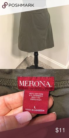 30%⬇️Army Green jersey knit skirt Army Green jersey knit skirt- great for weekend or travel wear !! Very comfortable!!  ☑️I ship same or next day!! Merona Skirts Midi