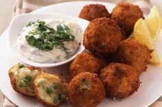 These cod and pea bites are great finger food at parties, but you can also make them for dinner with chips or wedges and peas. Haddock fillet works just as well.Get the recipe: Cod and pea bites Fish Recipes For Kids, Finger Foods For Kids, Baby Food Recipes, Cooking Recipes, Family Recipes, Cod Recipes, Salmon Recipes, Seafood Recipes, Dinner Recipes
