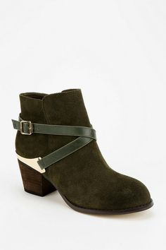 Urban Outfitters - Ecote Buckled Wrap Ankle Boot