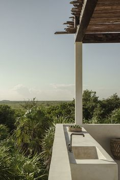 Tulum Treehouse Mexico, design by Co-Lab Joanna Gomez and Joshua Beck, interior concept and curation by Annabell Kutucu, photo by Brechenmacher & Baumann Photography Outdoor Spaces, Outdoor Living, Indoor Outdoor, Outdoor Kitchens, Rue Verte, Tulum Hotels, Resorts, Casa Cook, Concrete Structure