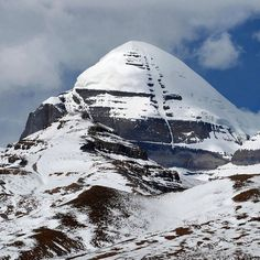 I am fortune enough have opportunity to visit this holy the axis of the mount every single month in summers each year. What more can i ask of life? Incredible India, Amazing Nature, Chakra Locations, Kailash Mansarovar, Mount Meru, Lord Shiva Hd Wallpaper, Sustainable Tourism, Travel Tours, Geography