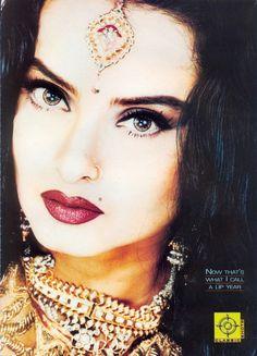 My Bollywood Fairytale – About Eye Makeup Bollywood Stars, Bollywood Fashion, Light Smokey Eye, Indiana, Rekha Actress, Burgundy Lips, Indian Goddess, Vintage Bollywood, Stunning Eyes