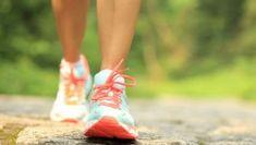Trinta minutos de caminhada rápida diariamente é mais eficaz do que passar horas na academia