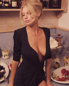 Home for all fans of Charlotte McKinney and her wonderful boobies. The most awesome curvy model on the scene. The biggest tits you have seen in a. Beautiful Models, Beautiful Celebrities, Beautiful Women, Charlotte Mckinney, Curvy Models, Celebrity Beauty, Hot Blondes, Sexy Legs, Sexy Women
