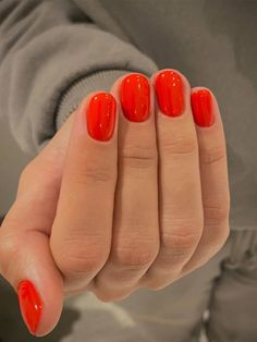 The 10 Nail Colors for Vacation That Are So Pretty | Who What Wear Types Of Nails Shapes, Red Ombre Nails, Basic Nails, Nagellack Design, Vacation Nails, Round Nails, Strong Nails, Elegant Nails, Minimalist Nails