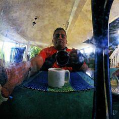 Yo en la jarra de café #autorretrato #selfportrait #retrato #portrait #yo #me #instame #instalike #instamood #instadaily #instahub #instacool #instapic #instafoto #foto #photography #photooftheday #picoftheday #photographer #FotografosDeCaracas #FotografosDeVenezuela #igers #igersvzla #igersvenezuela #igersven #iv_zeuscronos #Zeuscronos