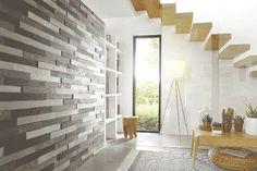 Une entrée haute en design qui annonce une maison stylée avec une briquette adhesive carbone gris by MULTIWOOD
