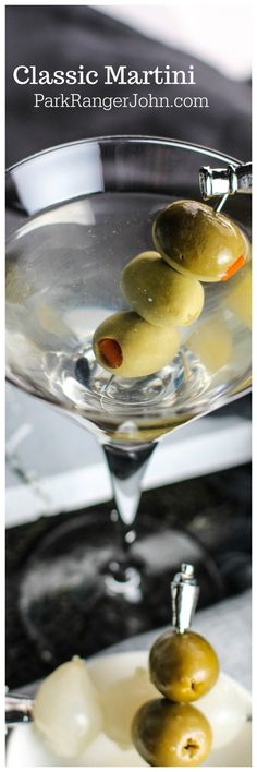 How to make a Classic Martini Recipe with Vodka or Gin. Have your own James Bond moment! This classic cocktail recipe is easy to make and great for parties. We are want to say thanks if you like to share this. Best Cocktail Recipes, Martini Recipes, Margarita Recipes, Classic Cocktails, Fun Cocktails, Cocktail Drinks, Martini Classic, Alcoholic Drinks, Drinks Alcohol