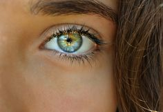 Some of the most Beautiful Eyes You will ever seeYou can find Green eyes and more on our website.Some of the most Beautiful Eyes You will ever see Beautiful Eyes Color, Stunning Eyes, Pretty Eyes, Cool Eyes, Amazing Eyes, Beautiful People, Photo Oeil, Girls Tumblrs, Hazel Green Eyes