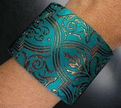 Handmade polymer clay cuff bracelet von adrianaallenllc auf Etsy
