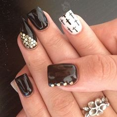 i like the print i dont know if i like the shape of the nails..