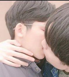 Lgbt Couples, Cute Gay Couples, Korean Boys Ulzzang, Ulzzang Couple, Gay Aesthetic, Aesthetic Images, Grunge Couple, Daddy's Little Boy, Tumblr Gay