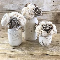 Ideas For Flowers Diy Paper Mason Jars – farmhouse decor flowers Mason Jar Centerpieces, Flower Centerpieces, Flower Decorations, Flower Arrangements, Mason Jars, Wedding Decorations, Vases, Sola Wood Flowers, Paper Flowers Diy