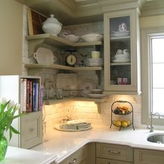 Trendy Kitchen Corner Shelf Decor Home 70 Ideas Kitchen Inspirations, New Kitchen, Home Kitchens, Traditional Kitchen, Kitchen Design, Kitchen Corner, Kitchen Remodel, Kitchen Cabinetry, Country Kitchen