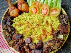 Nasi Kebuli recipe step 4 photo Food N, Good Food, Food And Drink, Rice Recipes, Cooking Recipes, Indonesian Cuisine, Indonesian Recipes, Nasi Lemak, Nasi Bakar