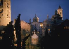 Citta Alta in Bergamo, Italy.  I looove Old City of Bergamo.