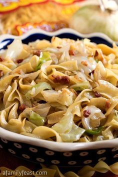 Haluski - A simple,rustic and traditional dish made with fried cabbage and noodles. Haluski - A simple,rustic and traditional dish made with fried cabbage and noodles. Side Dish Recipes, Vegetable Recipes, Dinner Recipes, Holiday Recipes, Veggie Food, Pasta Dishes, Food Dishes, Main Dishes, Side Dishes