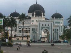 Masjid Raya Al-Mashun di Medan, Sumatera Utara