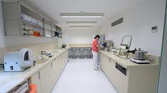 PORCELANOSA Grupo #Projects: @kriondesign  mineral compact in Clínica Lorente, in #Zaragoza #interiordesign