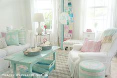 rosados, celestes, turquezas verde agua, y ovbiamente blancos