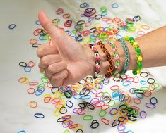 No Loom Rubber Band Bracelets...my daughters are going crazy for these right now