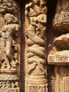 temple carving Ancient Aliens, Indian Gods, Indian Art, Greek Art, Mythological Creatures, Buddhist Art, Ancient Artifacts, Ancient Civilizations, Erotic Art