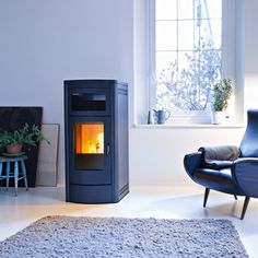 Find out all of the information about the MCZ product: pellet boiler stove / contemporary / steel / cast iron MUSA HYDRO. Boiler Stoves, Biomass Boiler, Pellet Stove, Wood Pellets, Heating And Cooling, Cast Iron, Home Appliances, Lounge, Contemporary