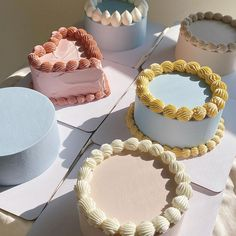 korean pastel minimalist cakes Pretty Birthday Cakes, Pretty Cakes, Beautiful Cakes, Mini Cakes, Cupcake Cakes, Picnic Cake, Simple Cake Designs, Korean Cake, Pastel Cakes